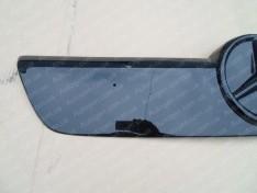 «имн¤¤ решетка радиатора Mercedes Sprinter (2000-2006) √л¤нцева¤