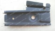 Поддомкратник ВАЗ 2101, 2102, 2103, 2104, 2105, 2106, 2107 передний в сборе (старый) левый (АвтоВАЗ)
