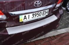 Накладка на бампер Toyota Avensis 3 SD (2012-2015) NataNiko с загибом
