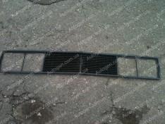 Решетка радиатора ВАЗ 2103, ВАЗ 2106 завод черная