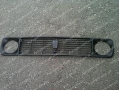 Решетка радиатора ВАЗ Нива 2121, 21213 Тайга завод черная