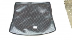 Коврик в багажник Mazda 5 (2006-2010) (резино-пластик) (Nor-Plast)