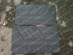 Обшивка дверей карты ВАЗ Нива 2121, 21213 тайга завод пластик