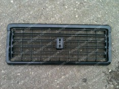 Решетка радиатора ВАЗ 2107 завод черная