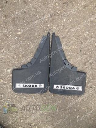 Mud pl (с логотипом) Брызговики универсальные Skoda ( 2шт.) (с надписью)
