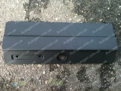 Крышка вещевого ящика (бардачка) ВАЗ 2104, 2105 завод